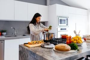 C mo limpiar la cocina iscaser cocinas - Como limpiar azulejos cocina ...