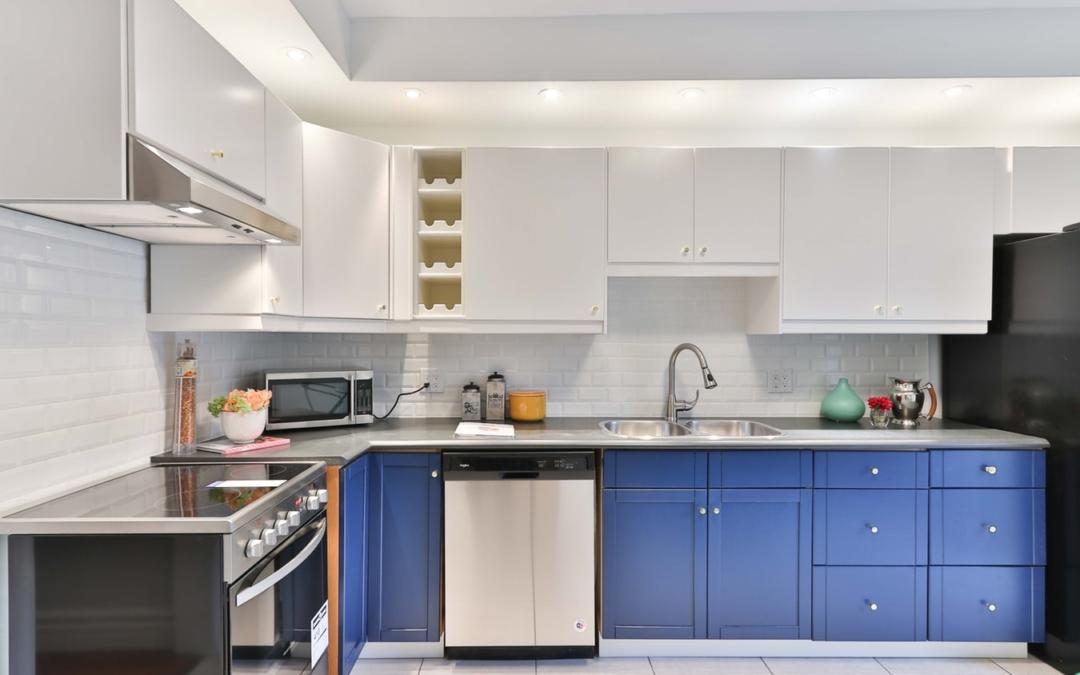 Diseños de cocinas en azul - ISCASER COCINAS