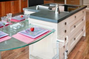 http://cocinas-iscaser.es/venta-de-cocinas-exposicion-de-cocinas-en-madrid-modelo-mykonos/